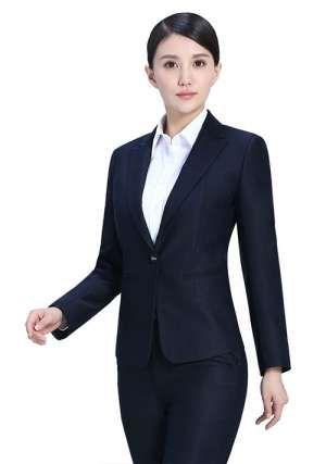 女士工作服展现职业女性魅力
